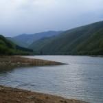Muntii-Cindrel.-Lacul-Gura-Raului1-300x225