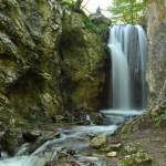 774-Cascada-Moara-Dracilor-Cheile-Tesnei-Muntii-Mehedinti-1200x797