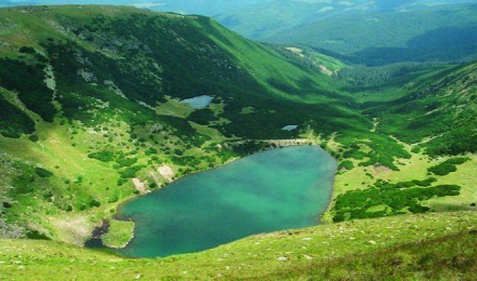 Travel--Rezervatia-naturala-Iezerele-Cindrelului--Sibiu