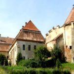 Travel--Castelul-Apafi-din-Dumbraveni