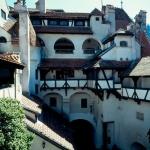 castelul-bran-curtea