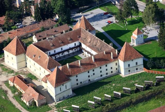 castelul-miko-var