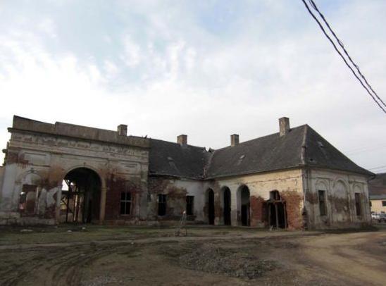 castelul-toldalagi-corunca