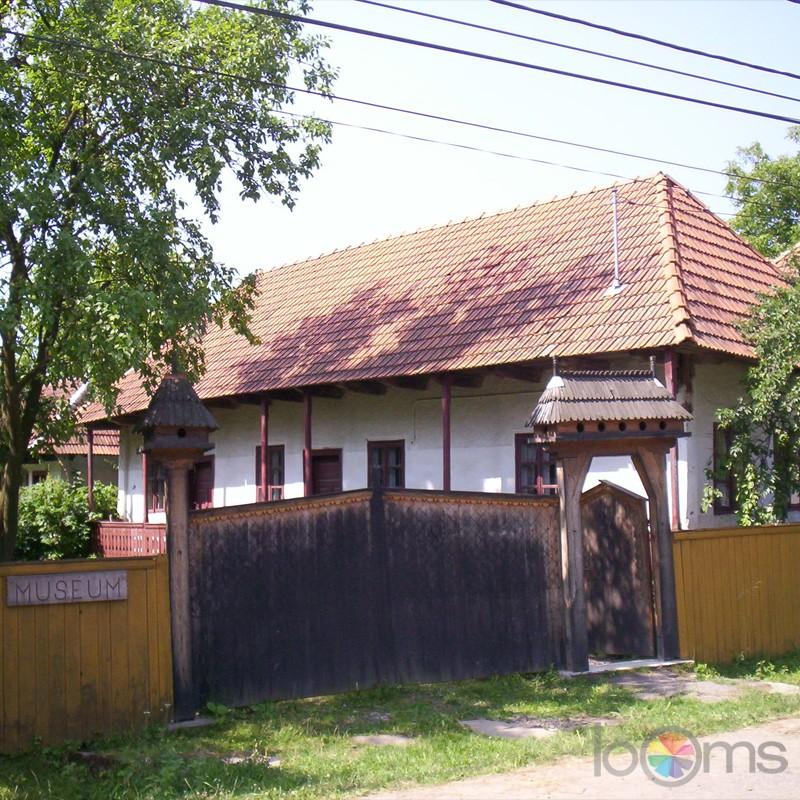 muzeul-etnografic-ceangaiesc-din-zabala