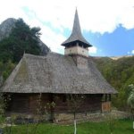 11.Alba-manastirea-sub-piatra