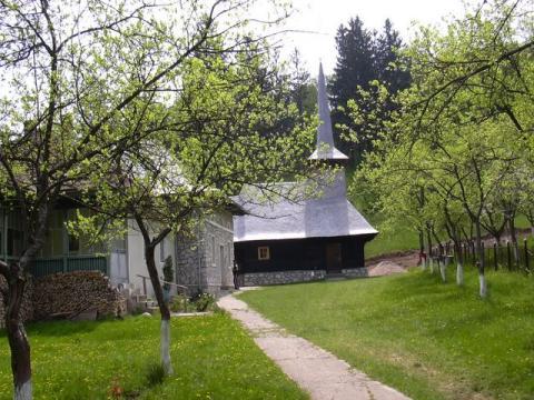 117896_manastirea-izbuc