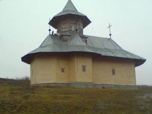 Manastirea-Cergaul-Mic-20101110130327