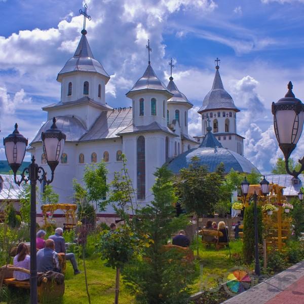 manastirea-dumvrava-1
