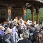 slujba-manastirea-lupsa-IPS-irineu