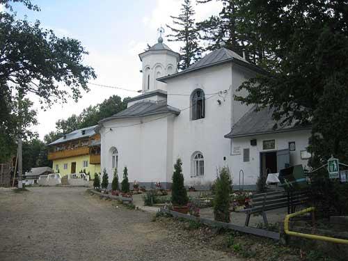 117616_manastirea-piatra-sfanta