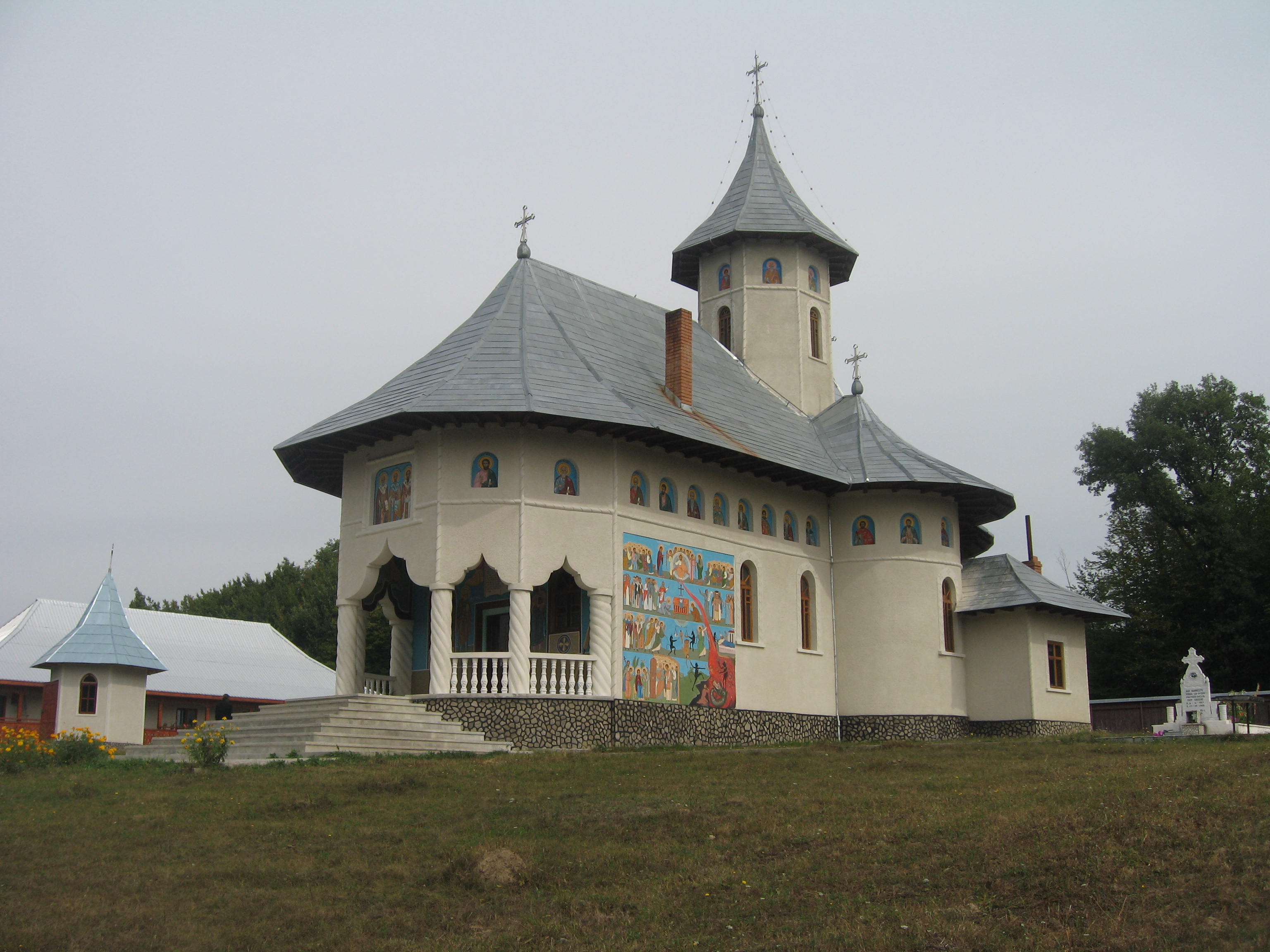 117696_manastirea_brosteni3