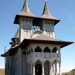 117920_manastirea-sfanta-treime-prislop