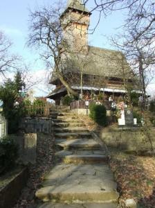 117930_desesti-schitul-izvoare-biserica-224x300