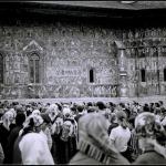 Credinta-in-Romania-Sucevita-anii-80-Foto-c-Dinu-Lazar-la-slujba