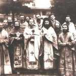 Ierodiaconul-Antonie-Plamadeala-împreună-cu-obştea-Mănăstirii-Slatina