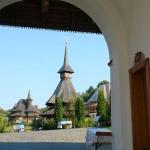 Manastirea-Barsana_poarta