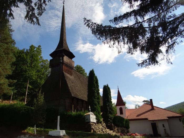 Manastirea-Ciucea-20140112110236
