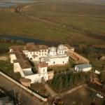 Manastirea-Comana-20101209165839