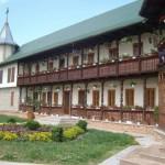 Manastirea-Malinesti-20110211085141