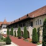 Manastirea-Nasterea-Maicii-Domnului-din-Recea-20140908092127