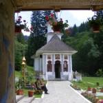 Manastirea-Sfantul-Nicolae-din-Predeal-20110117115732
