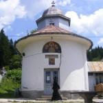 Manastirea-Sfantul-Nicolae-din-Predeal-20110117115808