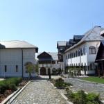 Manastirea_Icoana-vedere_dinspre_intrare