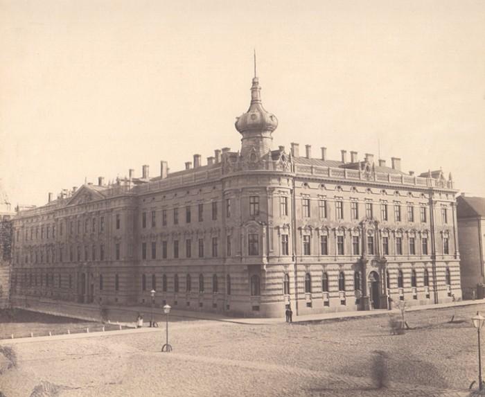 Palatul-Administratiei-Financiare-(Trezoreria)-din-Arad-20110408092544