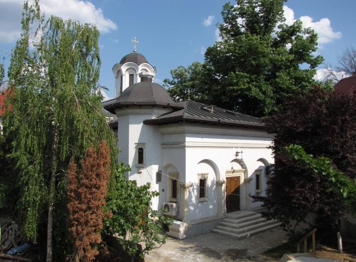 Schitul-Darvari-20110222173702