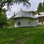 Schitul-Locurele-20101108122746