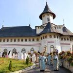 hram-manastirea-pangarati_foto-tudorel-rusu-4