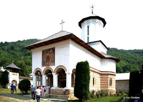 image-2010-05-28-7331738-56-manastirea-polovragi