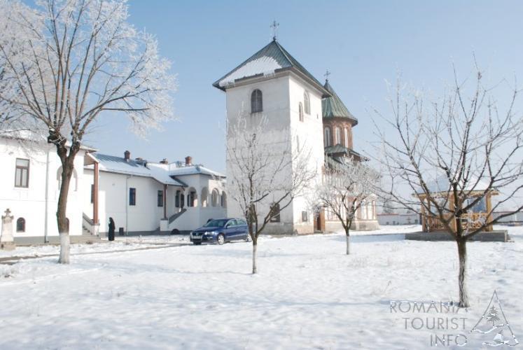 m-n-stirea-jitianu-manastirea-jitianu-braniste-com-podari-jud-dolj-djvz1505--preview