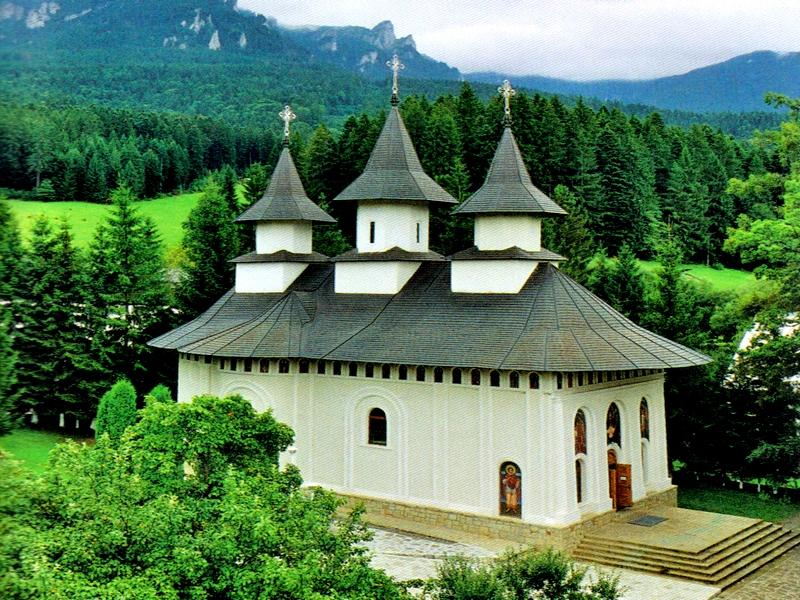manastirea-durau-800x600