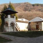 manastirea-polovragi-3