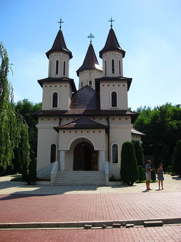 manastirea-recea3