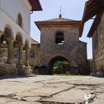 manastirea-saracinesti-clopotnita-valea-cheii
