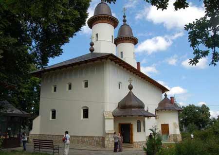 manastirea-varatec-neamt-1