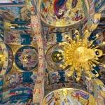 sihastria-putnei-biserica-izvorul-tamaduirii-interior-2